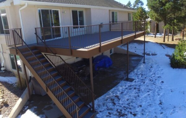 Trex Pebble Grey Decking w/ Saddle Accent